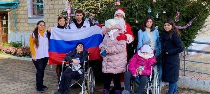 Подарки к Новому году от России — детям Гагаузии